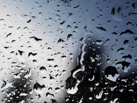 Βροχερός ο καιρός και την Πέμπτη