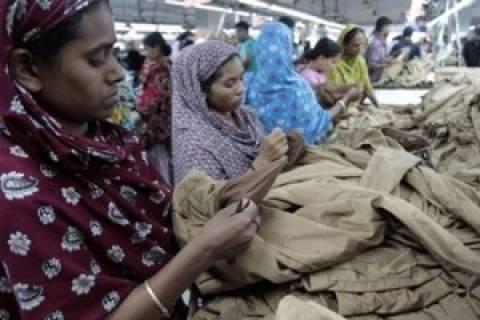 Μπαγκλαντές: Δηλητηρίαση 600 εργατών από νερό σε κλωστοϋφαντουργείο