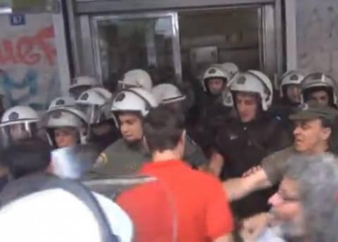 Καταγγελία του Σ.Ε.Λ.Μ.Α. για «διαπόμπευση της Δημοκρατίας» (βίντεο)