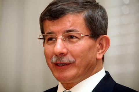 Τουρκία: Ενοχλημένος ο Νταβούτογλου από τη στάση των ΗΠΑ