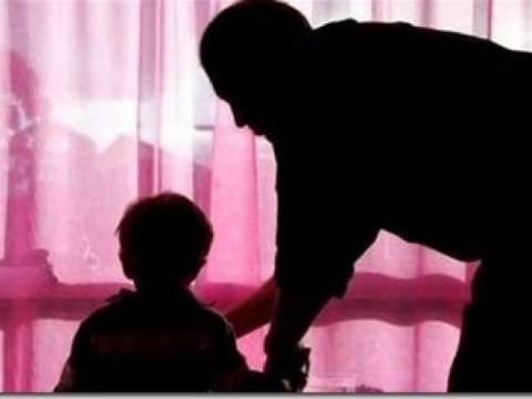ΣΟΚ: Παιδόφιλος ασέλγησε σε 9χρονο και επιτέθηκε στο φίλο του