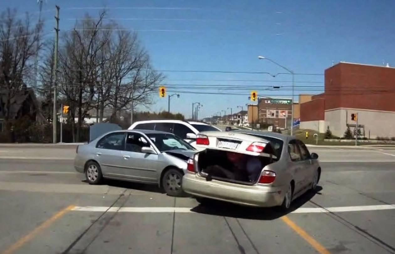 Βίντεο: Στο Τορόντο τα τροχαία είναι μια γιορτή...