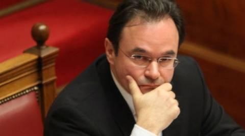 Αποφασίζει σήμερα η Βουλή για την απιστία του Παπακωνσταντίνου