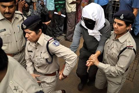 Ινδία: Συλλήψεις υπόπτων για τον ομαδικό βιασμό τουρίστριας
