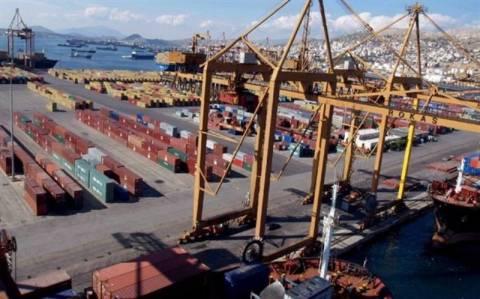 Σκληρή μάχη για τα λιμάνια Πειραιά και Θεσσαλονίκης