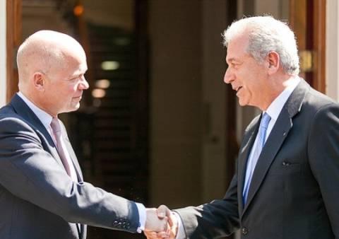 Αβραμόπουλος: Η επανένωση της Κύπρου, παράγοντας σταθερότητας