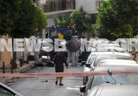 Ασύλληπτοι Πυρήνες πίσω από τη βόμβα στο αυτοκίνητο της διευθύντριας;
