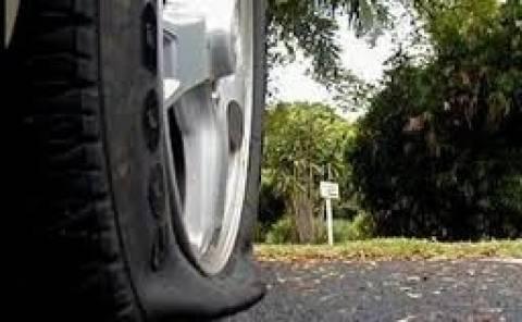Ηγουμενίτσα: Έκοψαν τα φρένα και έσκασαν τα λάστιχα σε κρατικά αμάξια