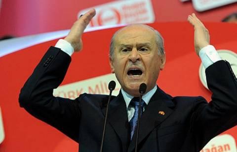 Tουρκία: Πιέσεις στον Ερντογάν για πρόωρες βουλευτικές εκλογές