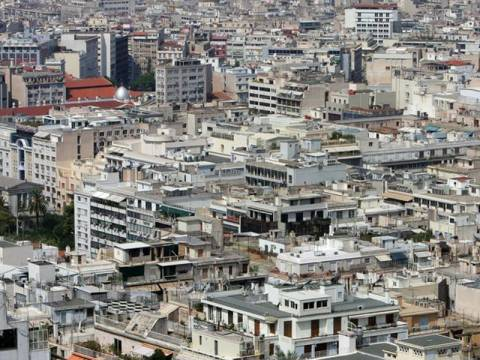 Αφόρητες πιέσεις των δανειστών για την άρση των πλειστηριασμών