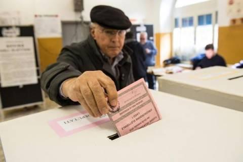 Ιταλία: Η αποχή είναι το κυρίαρχο στοιχείο των δημοτικών εκλογών