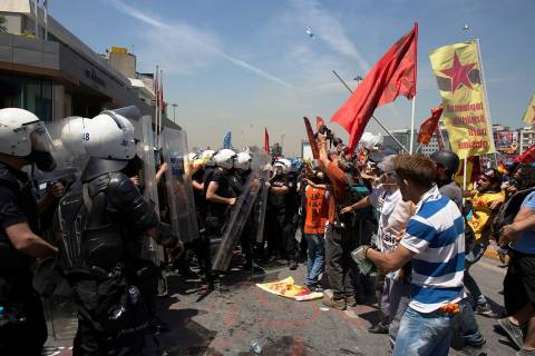 Επανήλθε η ηρεμία μετά από 20 ώρες συγκρούσεων στην πλατεία Ταξίμ