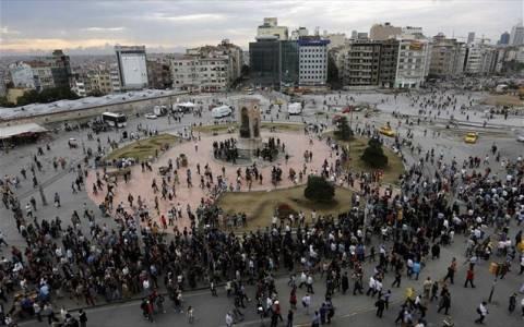 Τουρκία: Άμεση αποχώρηση των διαδηλωτών ζητά το κυβερνών κόμμα
