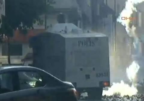 Τουρκία LIVE: Ξεκίνησαν οι διαδηλώσεις – «Πνίγεται» η πόλη στα χημικά