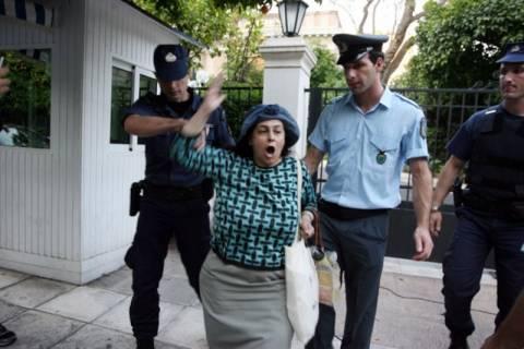 Στο Μαξίμου η Ελένη Λουκά – Διαμαρτυρήθηκε για την ΕΡΤ