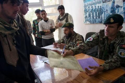 Το ΝΑΤΟ μεταβίβασε στους Αφγανούς τον έλεγχο της χώρας