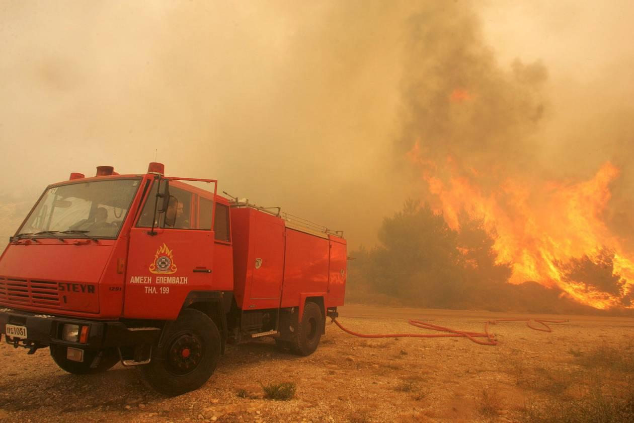 Πυρκαγιά στο Κέντρο Εκπαίδευσης Τεθωρακισμένων στον Αυλώνα