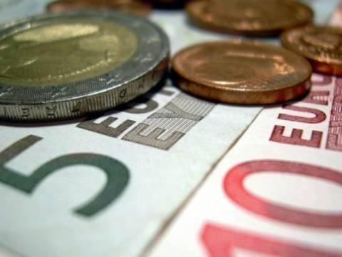 2.5 δισ. ευρώ ψάχνει η τρόικα από μισθούς και συντάξεις