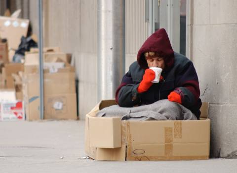 Τι γίνεται με τα 22 εκ. ευρώ της Ε.Ε. για διανομή τροφίμων σε άπορους;