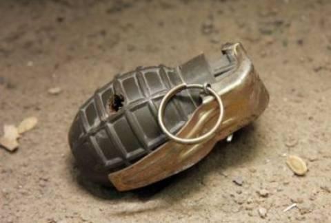 Αγρίνιο: Βρήκε χειροβομβίδες σε μάντρα