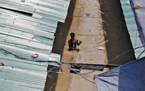 Ινδία: Φόβοι για περισσότερους από 1000 νεκρούς λόγω μουσώνων