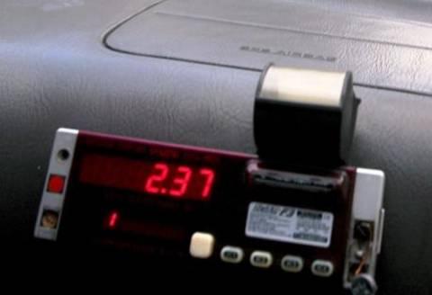 Χειροπέδες σε 27 οδηγούς ταξί