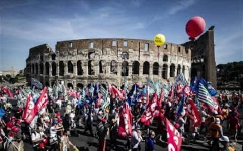 100.000 Ιταλοί κατά της λιτότητας