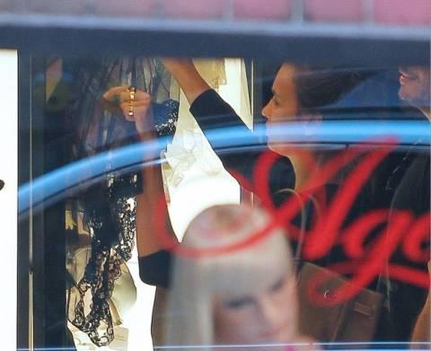 Τυχερέ Κριστιάνο: Σε sex shop συνελήφθη η Irina Shayk (photo)!