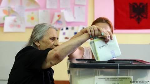 DW για Αλβανία: Ανοιχτό το εκλογικό αποτέλεσμα