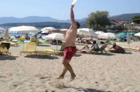 Το Δημοτικό Συμβούλιο αποφάσισε: Τέλος οι ρακέτες στην παραλία!
