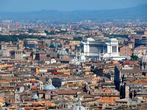 Η Ιταλία πληρώνει την είσοδό της στην ΟΝΕ
