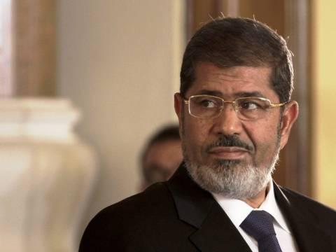 Αίγυπτος: Ο πρόεδρος Μόρσι καλεί το στρατό να αποσύρει το τελεσίγραφο