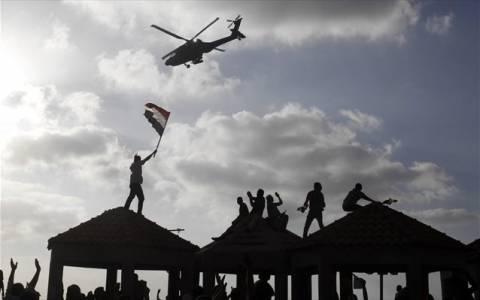 Αίγυπτος: Συναντήσεις στρατού με πολιτικούς και θρησκευτικούς ηγέτες