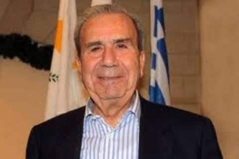 Καταζητούμενοι ο πρώην υπουργός Εσωτερικών της Κύπρου και ο γιος του