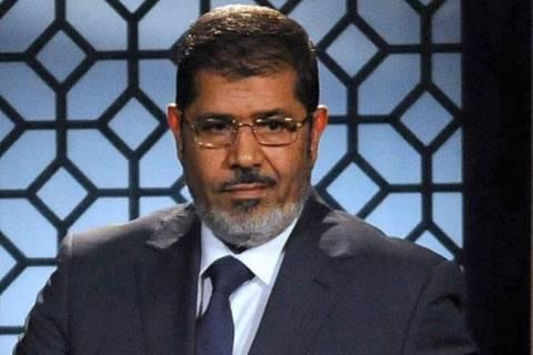 Ο Μόρσι κρατείται στο υπουργείο Αμυνας