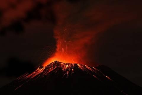 Έκρηξη ηφαιστείου στο Μεξικό προκαλεί χάος στις πτήσεις