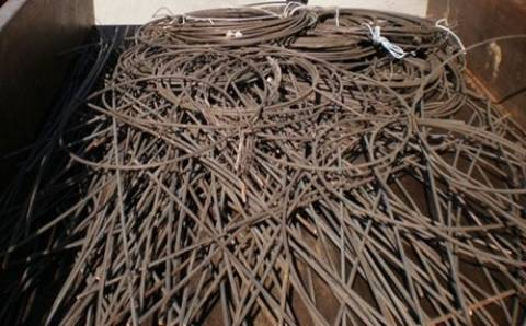Έκλεψαν καλώδιο ενός χιλιομέτρου από ράγες της Λάρισας