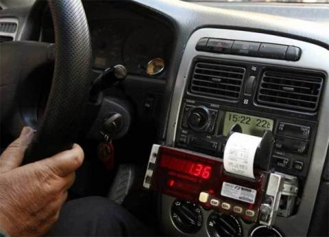 Συνελήφθησαν 46 οδηγοί ταξί για παρεμβάσεις στα ταξίμετρα