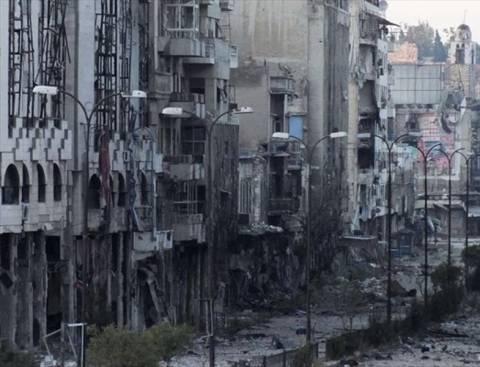 Ένατη μέρα βομβαρδισμών στην πόλη Χομς