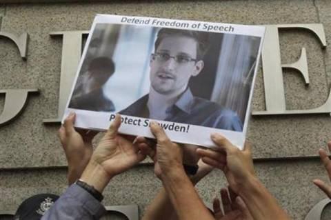 Έντουαρντ Σνόουντεν: Σενάρια ανταλλαγής με Ρώσο πρώην πράκτορα