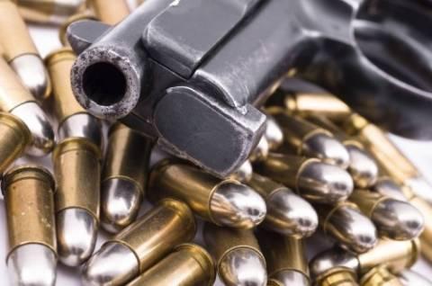 ΑΠΟΚΛΕΙΣΤΙΚΟ: Aυτοκίνητο – οπλοστάσιο στον Πειραιά