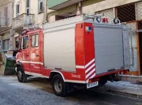 Φωτιά δίπλα σε σχολείο στη Ν. Μηχανιώνα
