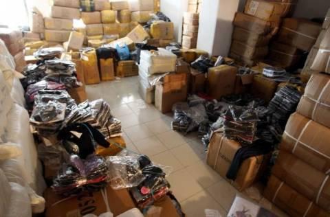 Ρέθυμνο  Πουλούσαν στους ανυποψίαστους πελάτες προϊόντα-μαϊμού. ΕΛΛΑΔΑ 91b6b1bab05