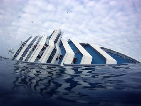 Υπερδιπλάσιο εκτιμάται το κόστος ανέλκυσης του Costa Concordia