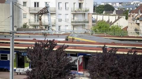 Γαλλία: Σε τεχνικό σφάλμα αποδίδεται η σιδηροδρομική τραγωδία