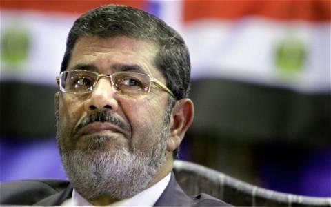 Αίγυπτος: Ανακρίνεται ο Μόρσι