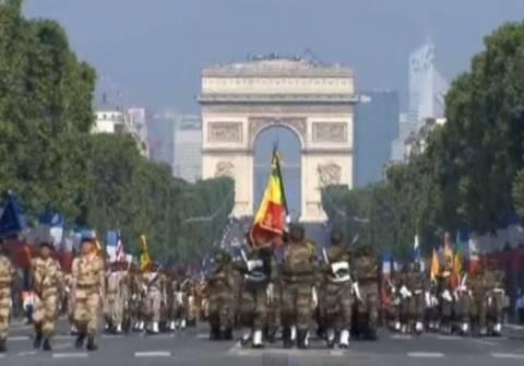 Γαλλία: Παρέλαση «λιτότητας» για την άλωση της Βαστίλης