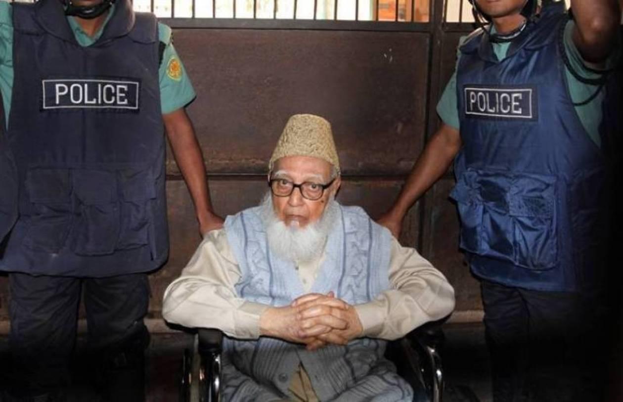 Μπαγκλαντές: Ένοχος για σφαγές και βιασμούς ο ισλαμιστής Γκουλάμ Αζάμ