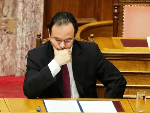 Την παραπομπή του Γιώργου Παπακωνσταντίνου αποφάσισε η Βουλή