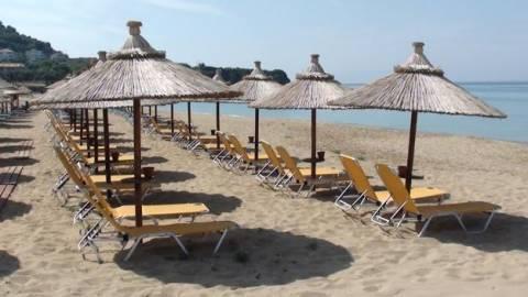 Ανασφάλιστος, ο 1 στους 3 εργαζόμενους σε τουριστικές επιχειρήσεις